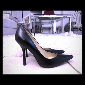 Guess Black Carrie Style Pump size 8.5